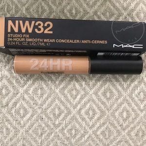 MAC Studio Fix Concealer NW32